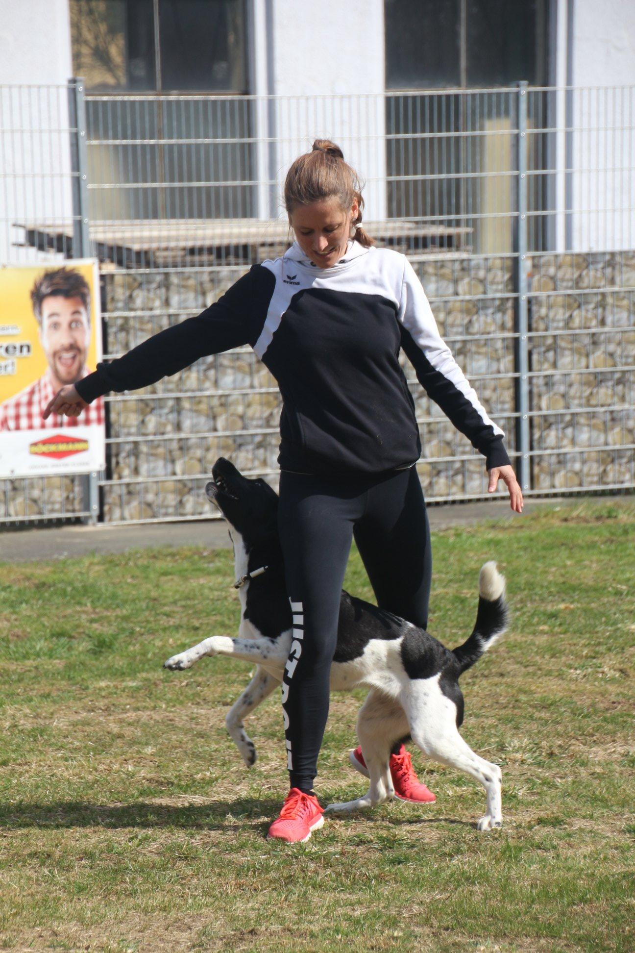 Christine Nonas (Dog Dance Profi) mit Pipilotta bei uns
